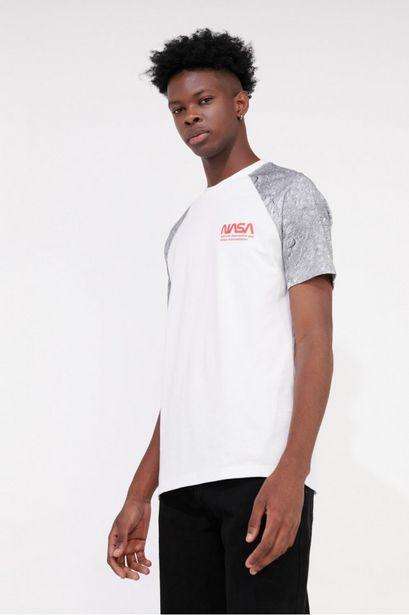 Oferta de Camiseta manga corta estampada de NASA. por 25900€