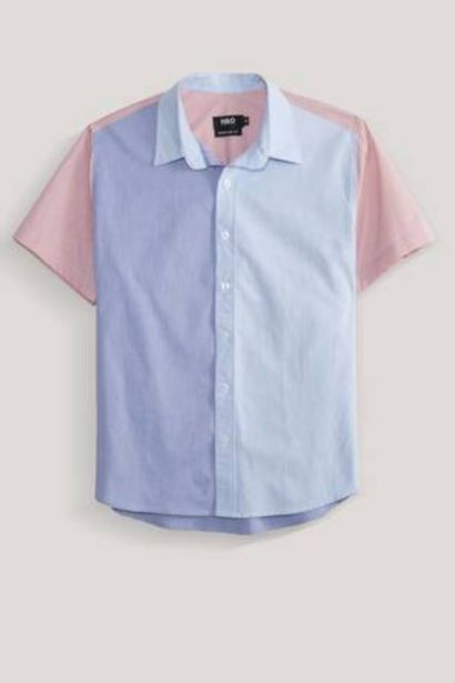 Oferta de Camisa regular cortes de color H&O Trybu por 15€