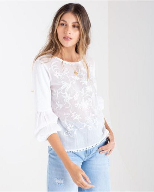 Oferta de Camiseta para mujer cruda manga larga con mostacillas y aplique en gasa por 149900€