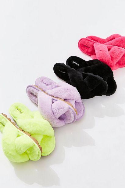 Oferta de Faux Fur Crisscross Slippers por 12€